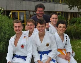 Photo: Von links Nicolas, Sebastian, Severin, Dominik, Jason und hinten Trainer Jürgen.