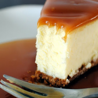 White Chocolate Cheesecake with Caramel Glaze