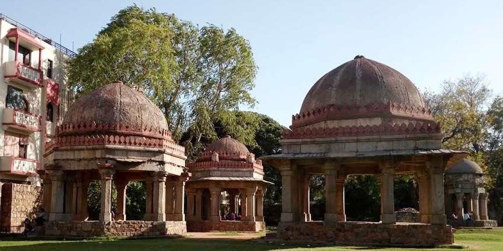 hauz-khas-fort-delhi