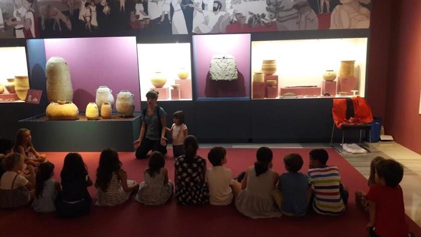 Talleres infantiles para celebrar el Día de los Museos en el Museo de Almería.