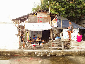 Photo: Une maison sommaire à Bangkok...