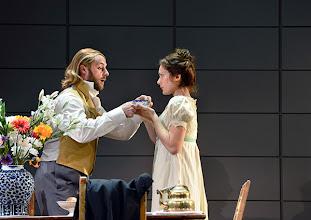Photo: Wiener Kammeroper: EUGEN ONEGIN. Inszenierung; Ted Huffman. Premiere 2. Oktober 2014. Vladimir Dmitruk, Natalie Kawalek-Plewniak. Foto: Barbara Zeininger