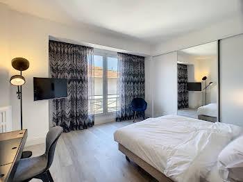 Appartement meublé 3 pièces 117 m2