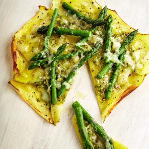 Green & White Pizza with Potato Crust