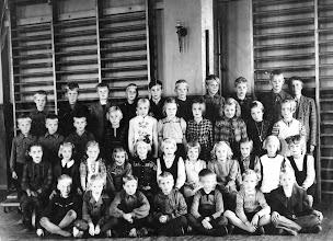 Photo: Katri Jalkasen luokka 1946