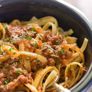 Slow Cooker Bolognese Sauce (Pasta Meat Sauce).