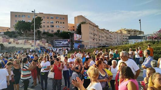 Movilización de los vecinos cortando la Carretera de Ronda