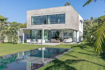 Villa 318 m2