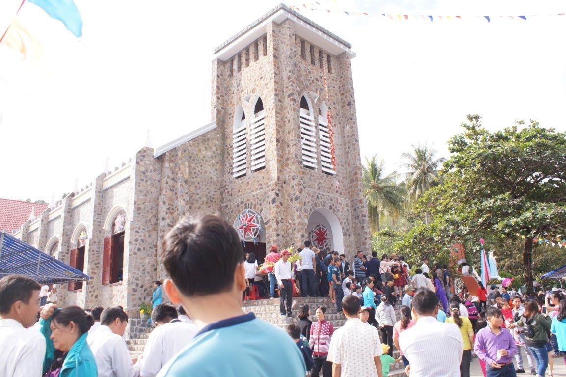 Ngày Hành Hương Mừng Bổn Mạng Giáo Phận Long Xuyên, tại GX Hòn Chông