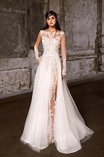 7a14e9beab8 Свадебное платье Пальмира от Strekkoza. Есть в наличии в 3 салонах ценой от  37600 до 56600 руб.