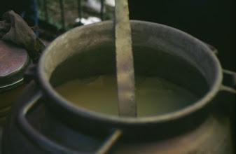 Photo: 03081 ウランバートル/風景/ダライ・エージ(海の母)/食料品専門の市場