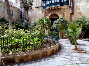 Photo: Valletta. Grandmaster's palace garden.  http://www.loki-travels.eu/
