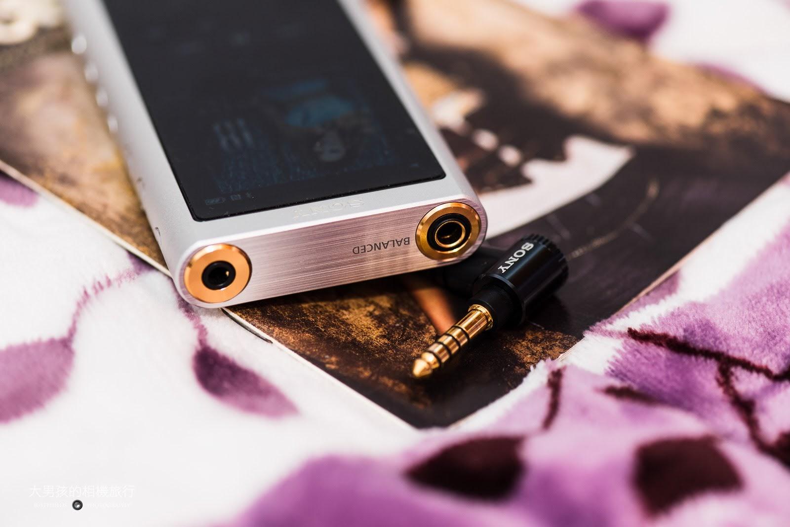 ZX300同時搭載3.5mm與4.4mm平衡輸出的功能。