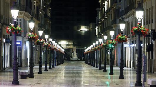 La malagueña Calle Larios, absolutamente desierta.