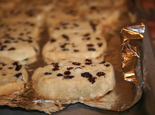Rum-raisin Shortbread Cookies