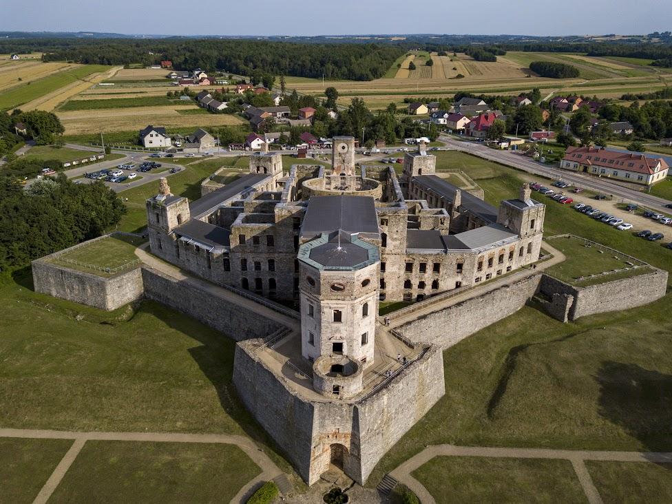 Zamek Krzyżtopór, Ujazd, widok z drona