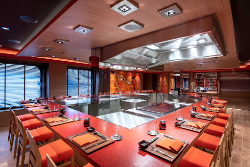 kaito-teppanyaki.jpg - A look at the cozy 16-seat Teppanyaki specialty restaurant on MSC Virtuosa.