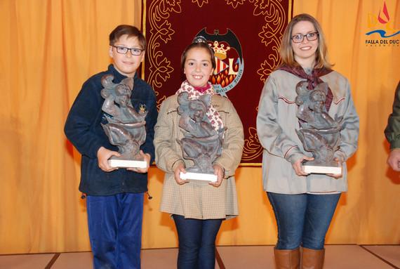 Nuestros máximos representantes reciben su escultura en bronce
