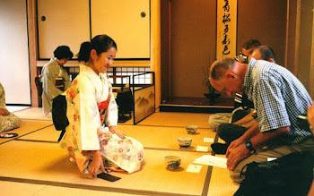 Photo: Tea ceremony, Kanazawa, 1999.