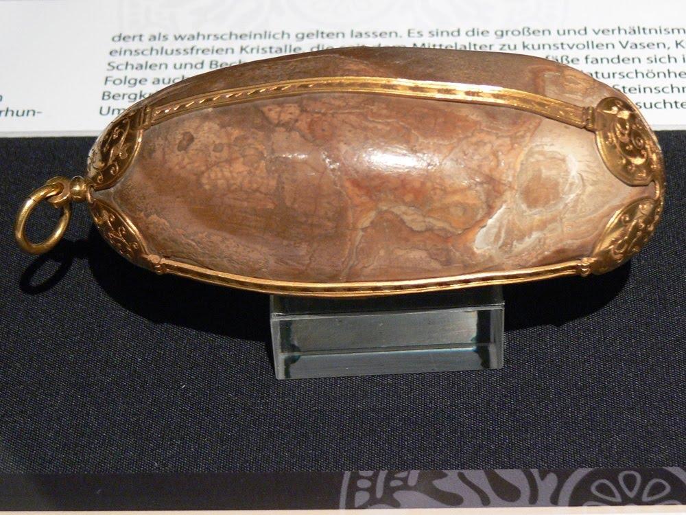 Pedras de Bezoar, magia, ciência e arte
