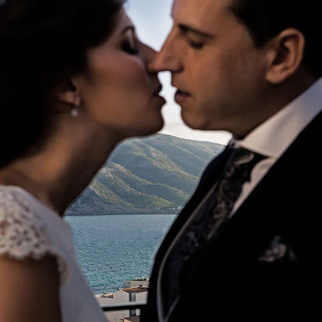 Wedding photographer Rafa Martell (fotoalpunto). Photo of 01.12.2017