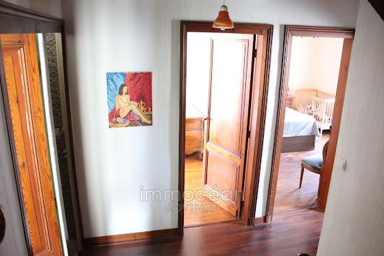 Vente villa 9 pièces 191 m2