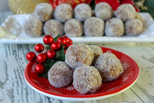 Aunt Mildred's Whiskey Balls On A Plate.