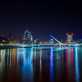 Notturno di Puerto Madero (Buenos Aires) by Mariateresa Toledo - City,  Street & Park  Vistas ( lights, colori, luci, riflessi, puerto madero, puente de la mujer, notturno, calatrava, night, city )