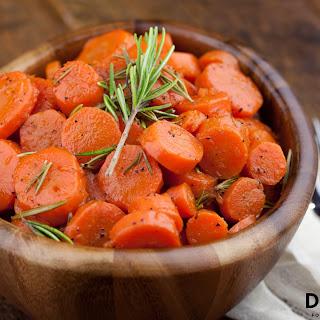 Maple Glazed Rosemary Carrots