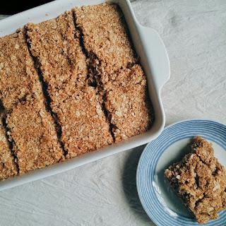 Apple Crisp Oatmeal Squares