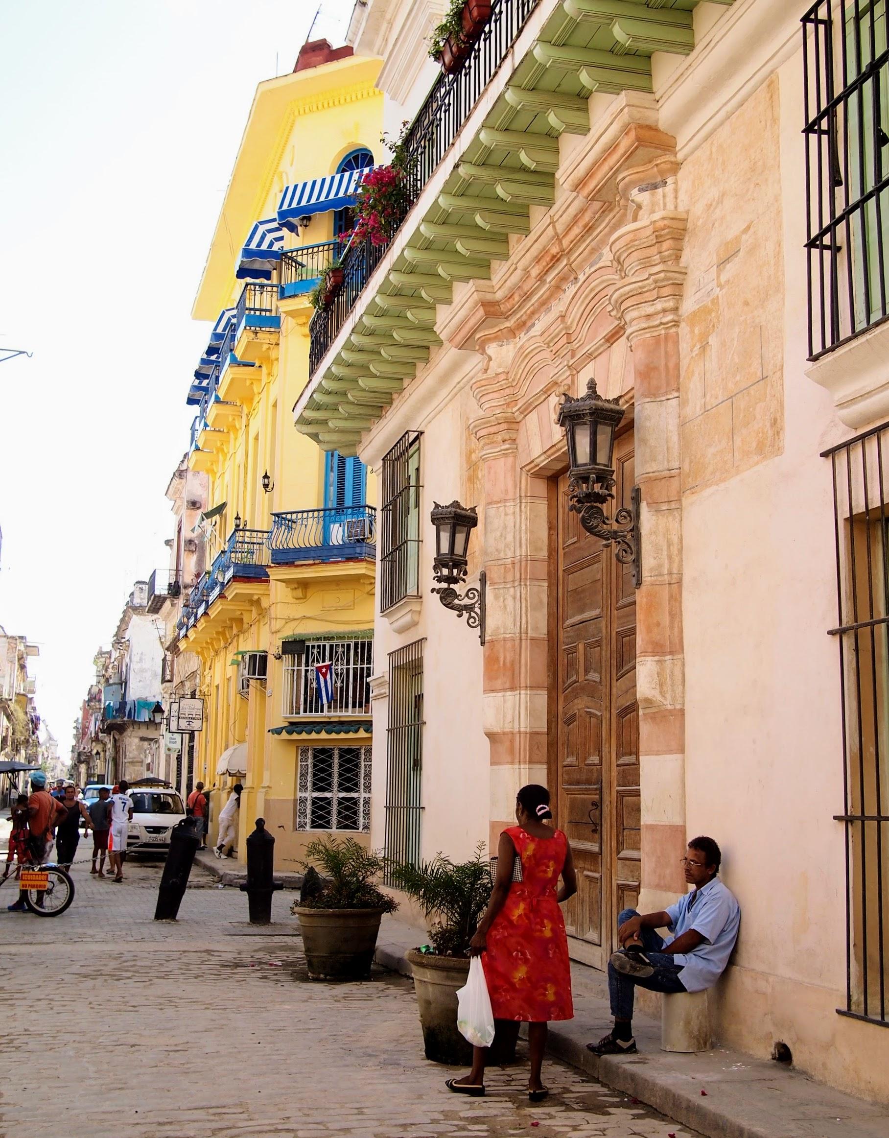 Street scenes around Plaza Vieja