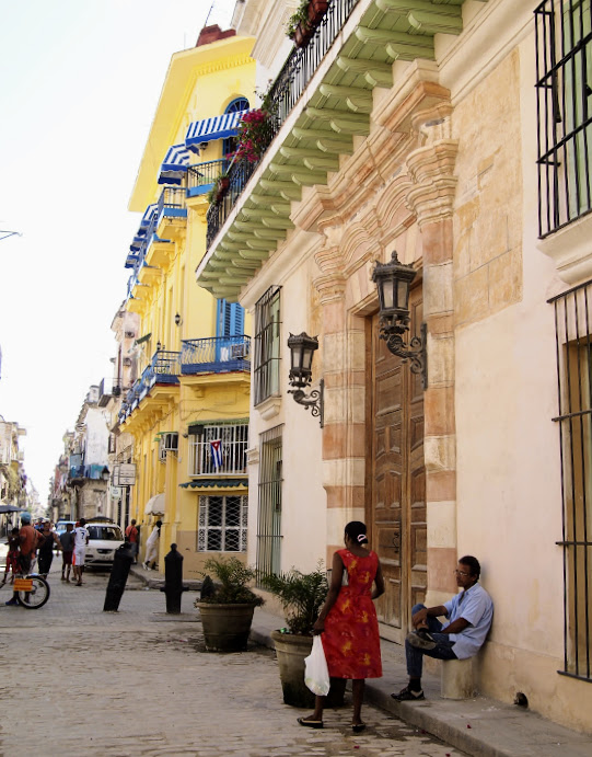 Street scenes around Plaza Vieja