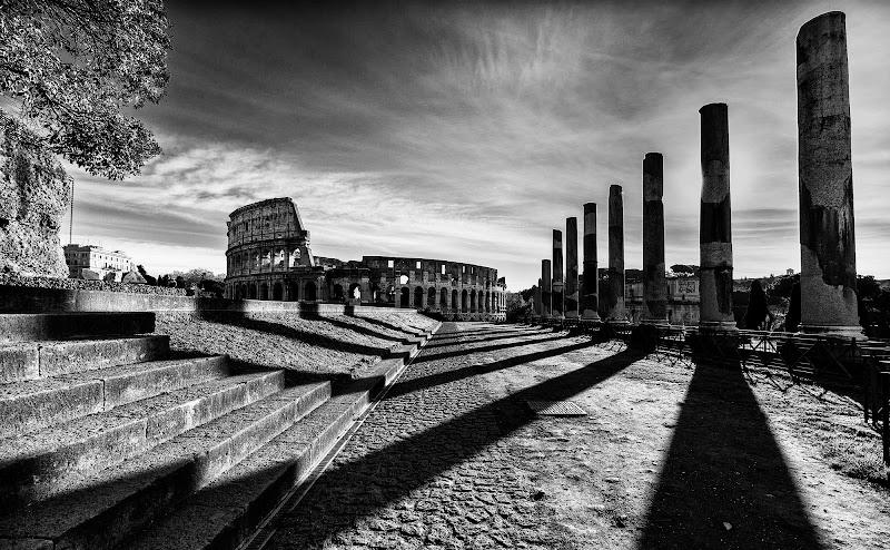 Temple of Venus and Colosseum, Rome di davide fantasia