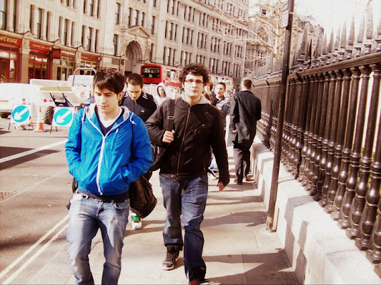 Walking in London di La_Li