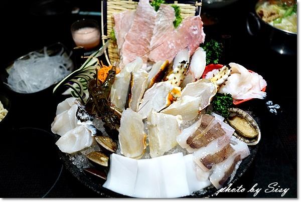 富美海鮮火鍋~新鮮海產直送,味美又鮮甜,還有特色湯頭,親子家庭也很適合~富美活海鮮 宜蘭美食推薦