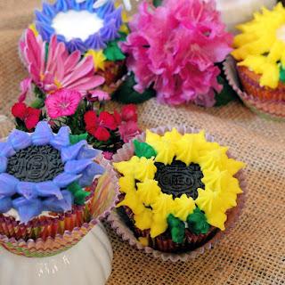 Oreo Cookie Flower Cupcakes
