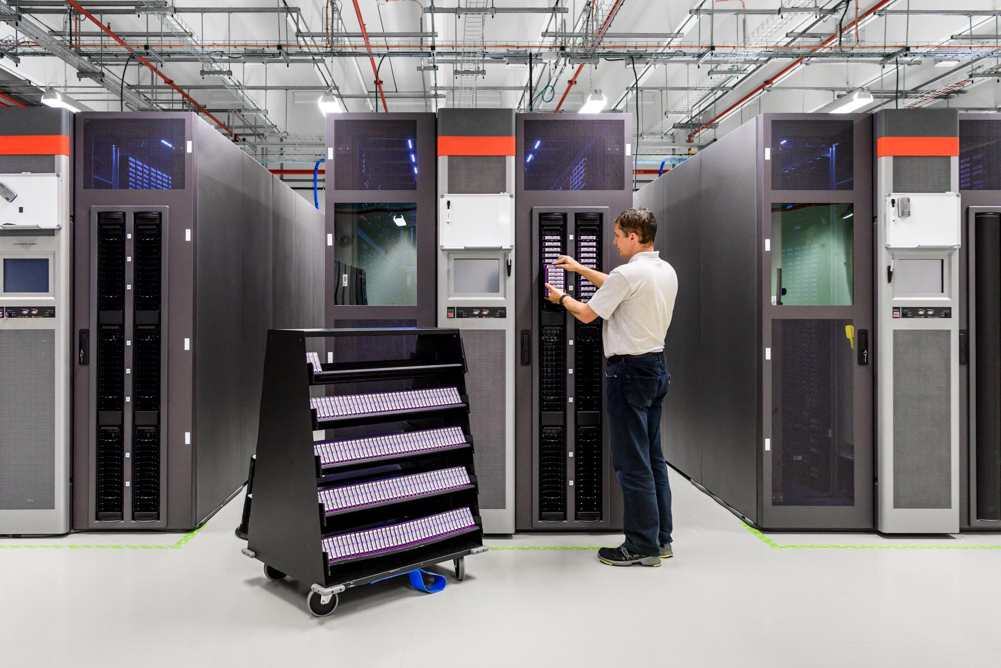 Data Centers - Life