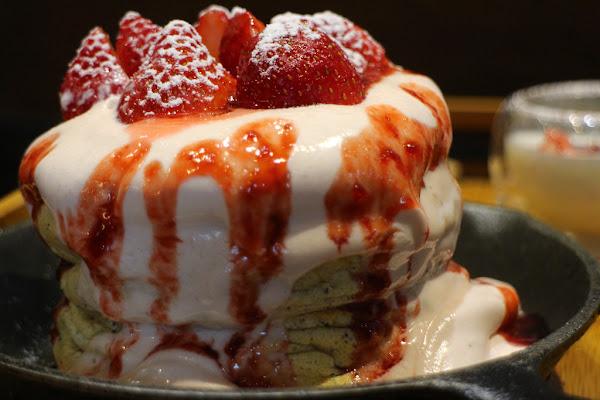 霜花亭 又到了冬天要追逐草莓的季節,台南應用科技大學周邊甜點店