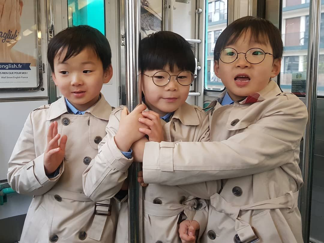 song triplets france racist 1