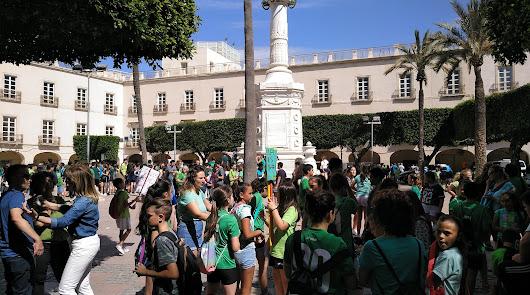 1.700 escolares de Almería se concentran para luchar contra el cambio climático