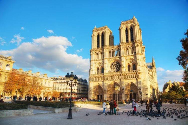Nhà thờ Đức Bà Notre- Dame Paris