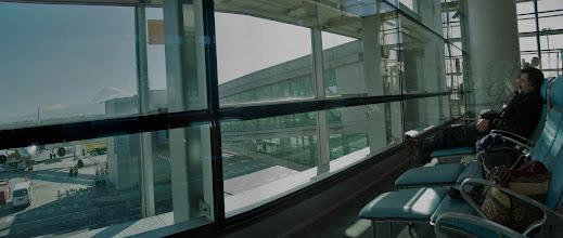 Photo: в аэропорту у окна лежаки с видом на Арарат