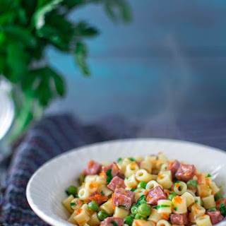 PASTA WITH PEAS AND KIELBASA