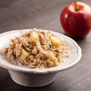 Overnight Slow Cooker Apple Oatmeal