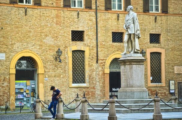 Lo sguardo fiero del passato....e quello del presente (un po' meno fiero) di Andrea Di Florio