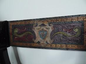 Photo: Capilla Nazaret. Detalle escudo episcopal de Don Manuel en una silla.