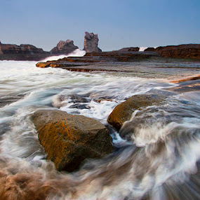 the Wave  by Yohanes Irawan - Landscapes Waterscapes ( waterscape, seascape, landscape )