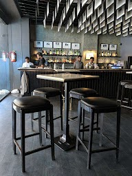 The Daily Bar & Kitchen photo 28