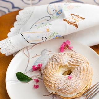 """Zavarnoe Koltso"" - Choux Pastry Rings with Sweet Farmer Cheese Butter Cream"