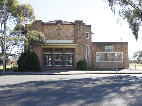 An iconic Narrabri building, the 62-year-old Catholic Hall, is to be demolished.